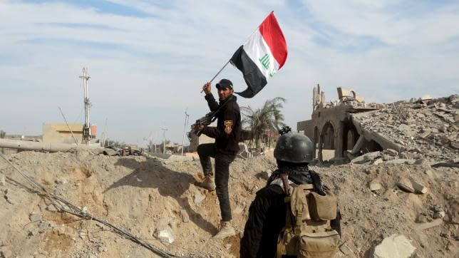 Iraqi Security Forces Plant Flag Once Again At Ramadi 27.12.15